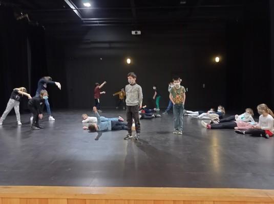 ateliers-theatre-ce1-ce2-a-15
