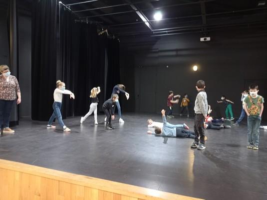 ateliers-theatre-ce1-ce2-a-16