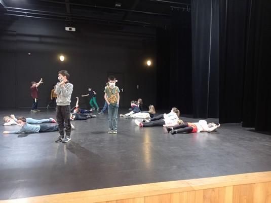 ateliers-theatre-ce1-ce2-a-17